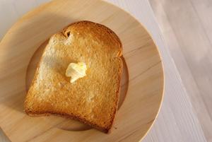 木のパン皿